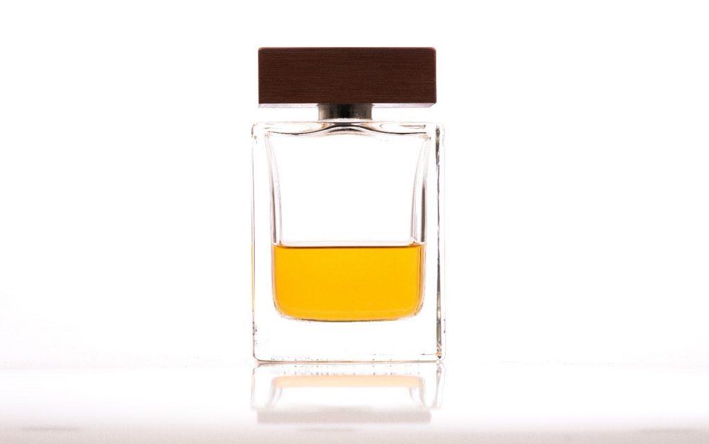 品のある男は体臭予防で清潔感のある香りを身に纏う
